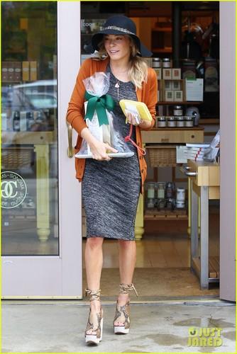 LeAnn Rimes: Williams-Sonoma Shopper