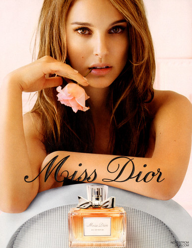 natalie portman wallpaper possibly containing a sign, a bouquet, and a toca discos, plataforma giratória entitled Miss Dior Print Ad