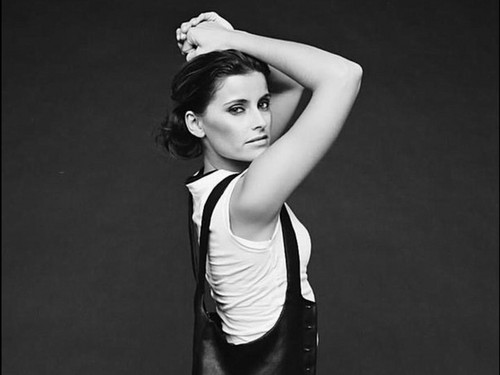 Nelly Furtado wallpaper probably with a leotard, a tenis player, and tights entitled Nelley