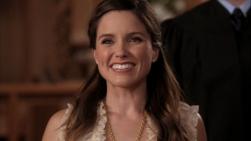 Brooke Davis پیپر وال probably containing a portrait entitled OTH 9x01: Know This, We've Noticed