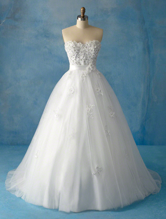 White Bridesmaid Dress on Snow White Wedding Dress   Disney Princess Photo  28572847    Fanpop