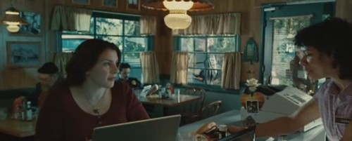 Stephenie Meyer Hintergrund with a brasserie and a bistro entitled Stephenie Meyer in Twilight movie
