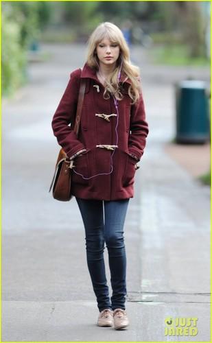 Taylor Swift: London Zoo Visit!