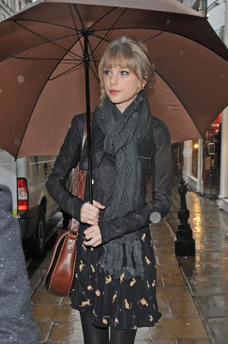 Taylor cepat, swift Shops in london