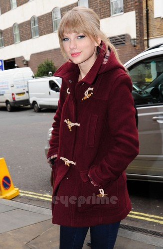 Taylor veloce, swift arrives at her Hotel in London, Jan 23