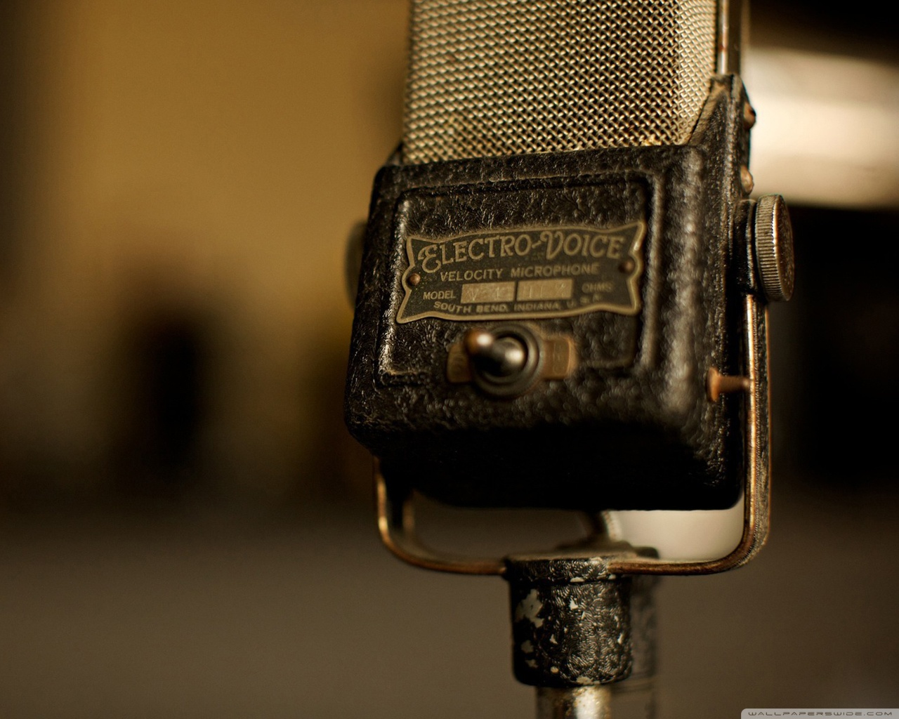 Vintage Microphone Wallpaper - Music Wallpaper (28520386) - Fanpop