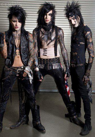 <3Andy,Christian & Ashley<3