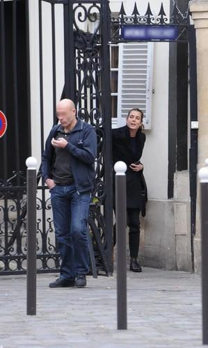 12/01/2012 món ăn bơm xen, charlotte Casiraghi and Gad Elmaleh