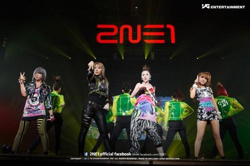 2NE1~