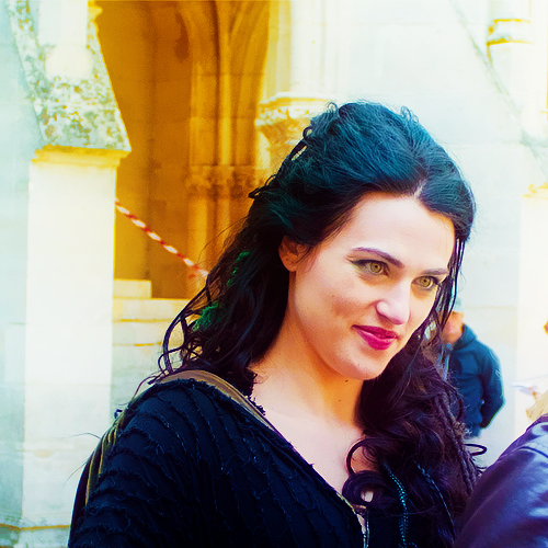 BTS: Katie as Morgana S4