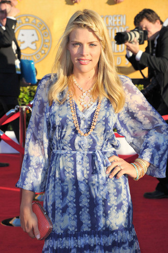 Busy Philipps - 18th SAG Awards/red carpet- (29.01.2012)