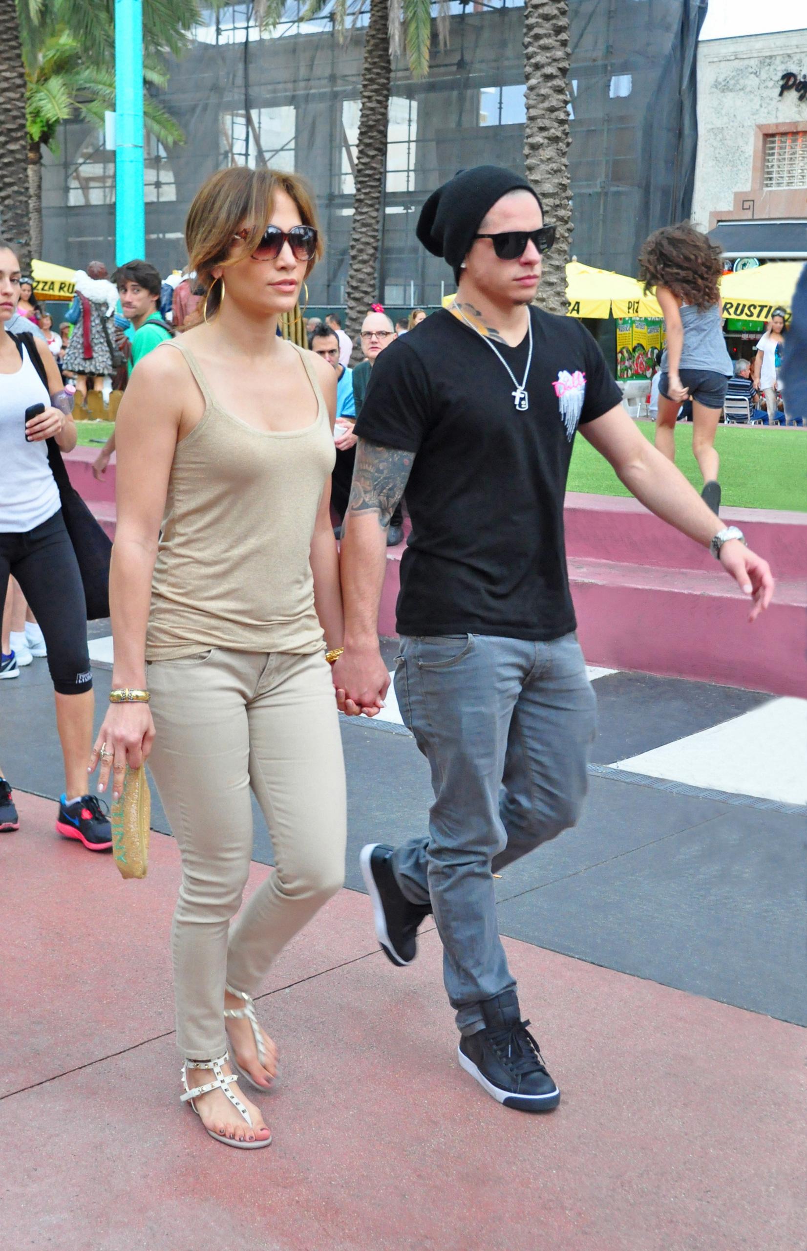 Jennifer Lopez 15 Wallpapers | Ultimate Skirmish