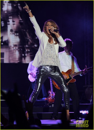 celine dion wallpaper with a konser titled Celine Dion: Jamaica Jazz Festival Performer!