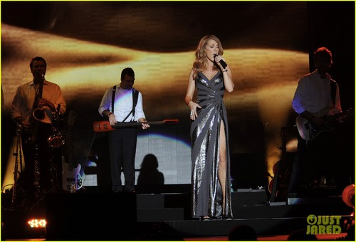 Celine Dion achtergrond containing a concert called Celine Dion: Jamaica Jazz Festival Performer!