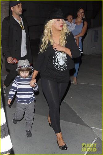 Christina Aguilera & Matt Rutler: 'Immortal World Tour' with Max!
