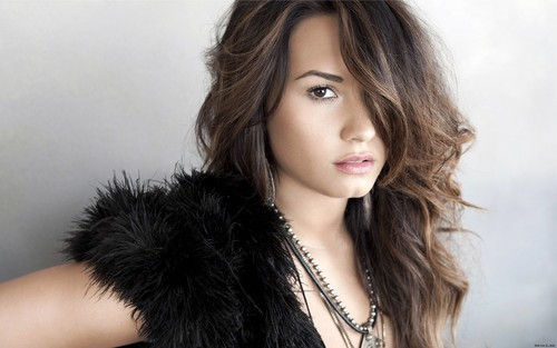 Demi Lovato wallpaper possibly containing a fur coat called Demi Lovato
