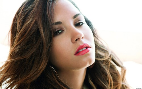 Demi Lovato wallpaper with a portrait entitled Demi Lovato