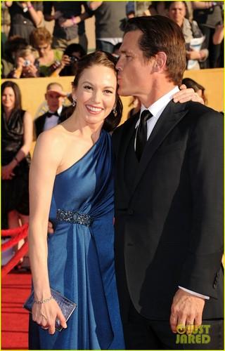 Diane Lane & Josh Brolin - SAG Awards 2012 Red Carpet