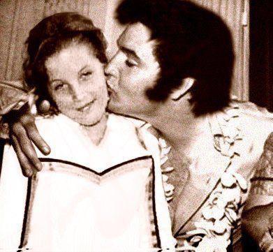 Elvis Aaron Presley and Lisa Marie Presley wolpeyper called Elvis and Lisa