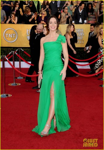 Emily Blunt - SAG Awards with John Krasinski!