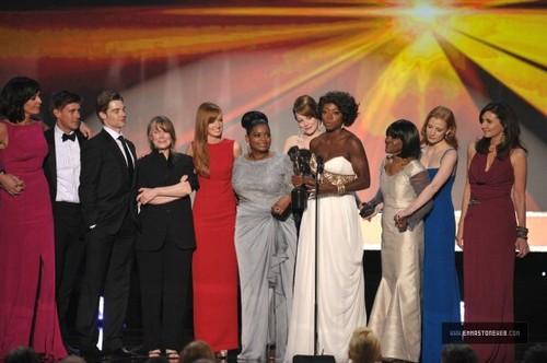 Emma Stone @ 18th Annual Screen Actors Guild Awards fotografias [Show] – Jan 29th