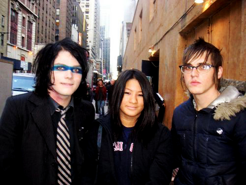 Gee & Mikey with a killjoyer ;3.