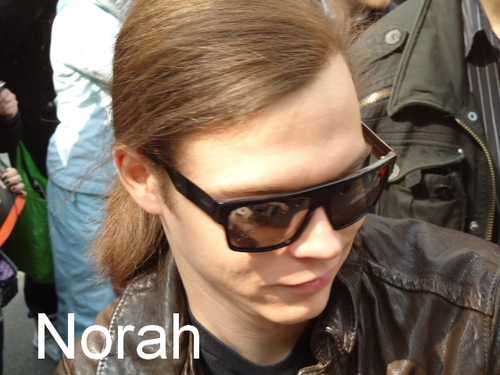 Tokio Hotel 壁紙 possibly containing sunglasses entitled Georg