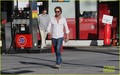 Gerard Butler: Gas Station Stop - gerard-butler photo