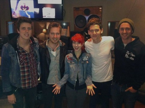 Hayley and A Rocket To The Moon