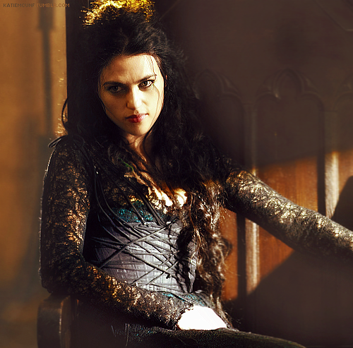 Katie as Morgana S4