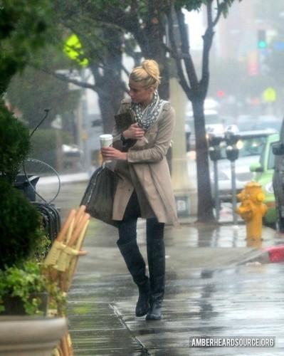 Leaving coffee shop in Los Angeles - 01/23