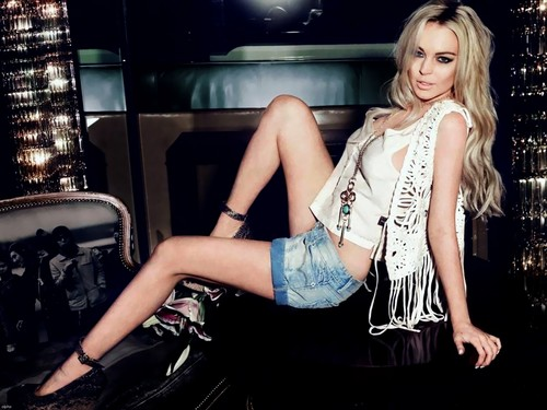 Lindsay Lohan wallpaper possibly containing an automobile and a hip boot titled Lindsay Lohan