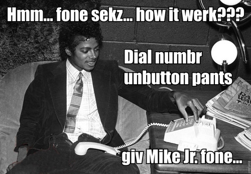 Mike Jr. on the phone! - michael-jackson-funny-moments Photo