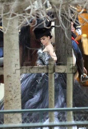 New behind-the-scenes Fotos of Kristen Stewart at a Vanity Fair photoshoot!