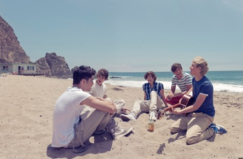 New picha from the 'Up All Night' photoshoot! ♥