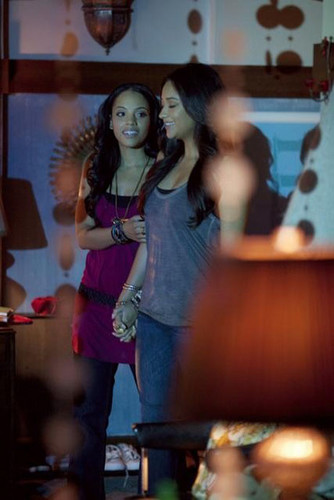 Pretty Little Liars - Episode 2.18 - A Kiss Before Lying - Promotional picha
