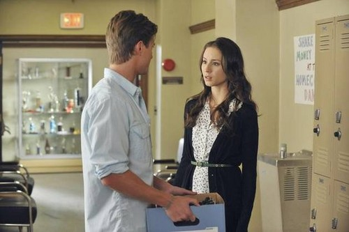 Pretty Little Liars - Episode 2.19 - The Naked Truth - Promotional 照片