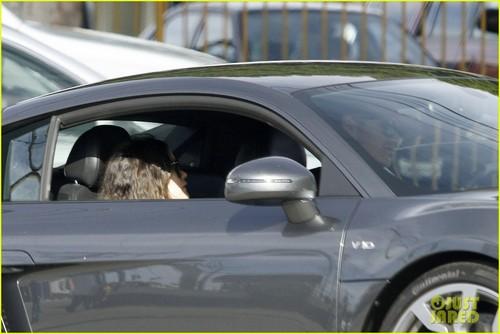 Rachel Bilson & Hayden Christensen: Gas Station Woes!