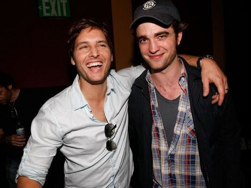 Robert Pattinson and Peter Facinelli - robert-pattinson Photo