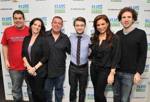 The Elvis Duran Z100 Morning दिखाना - January 30, 2012