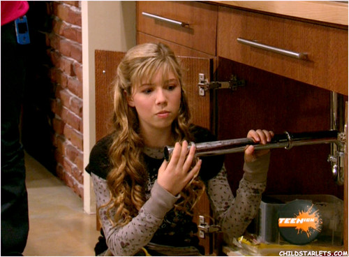 Icarly i hatch chicks, guy fucking girl while she sleeps gif
