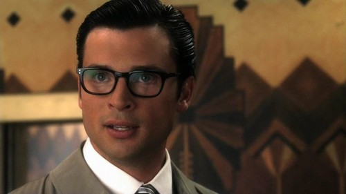 Tom Welling Hintergrund containing a business suit and a suit called tom welling