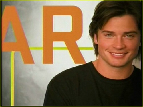 Tom Welling Hintergrund possibly containing a portrait titled tom welling