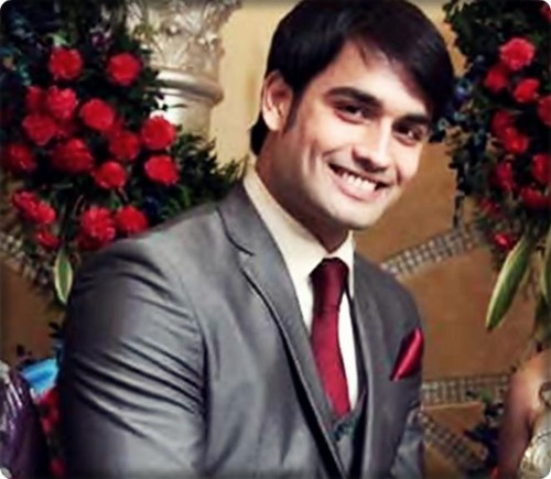 Vivian Dsena fond d'écran containing a bouquet and a business suit titled Abhay--3