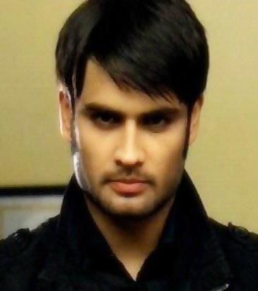 Vivian Dsena karatasi la kupamba ukuta possibly with a portrait called Abhay-4