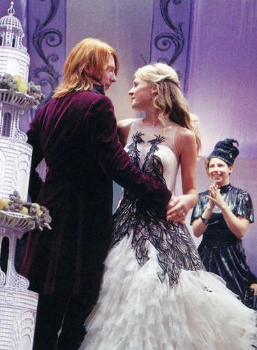 Bill and Fleur Weasley at wedding