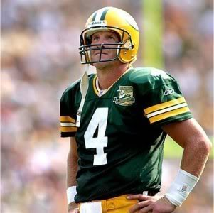 Brett Favre wallpaper possibly containing a football helmet, a tailback, and a lineman called Brett Favre