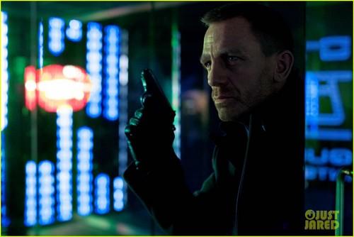 Daniel Craig: First 'Skyfall' Still!
