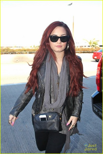 Demi Lovato: Off To Chile!