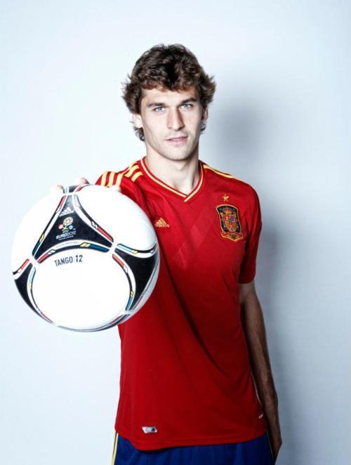 """Fernando Llorente with the new Euro2012 ball """"Tango 12"""" - (03.12.2011)"""